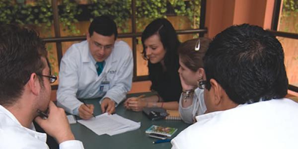 especializacion medicina critica y cuidados intensivos